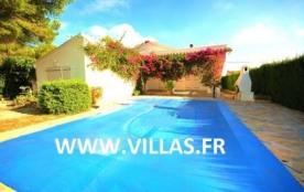 Villa CP Suzanne - Belle et grande villa indépendante avec piscine privée qui se trouve dans l'ur...