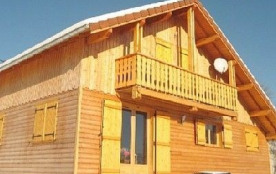 Joli chalet situé à proximité immédiate du lac Saint Point et proche de la station de Métabief/Mo...