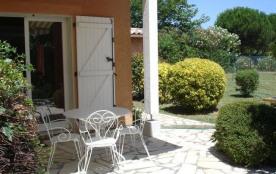 Secteur Domaine de la Mer (1,2 km de la plage), agréable villa 5 couchages, dans résidence calme.
