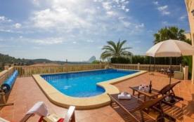 Villa AB Tycro - Magnifique villa située dans une zone résidentielle à environ 2 km du centre-vil...