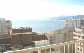 Immeuble AGUAMARINA-C. Situé 50 m. de plage. Piscine, tennis, garage.