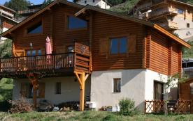 Grand chalet tout confort, grand balcon avec belle vue sur montagne  (possibilité de ne louer que le haut ou le bas)