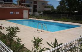 Dans résidence neuve, appartement 3 pièces avec piscine et accès direct plage.