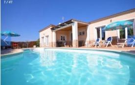 Villa CV Crom - Agréable villa, moderne et confortable, avec piscine privée.