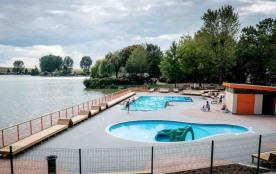 Nous vous proposons à la location deux types de chalets tout confort d'une superficie de 35 m² po...