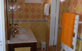 3 salles d'eau avec w-c
