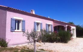 Gîtes de France - Maison contemporaine aménagée sur un terrain clos de 900 m².