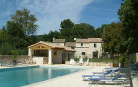 Des oliviers et une nature magnifique, dans un cadre authentique dans la véritable Provence.