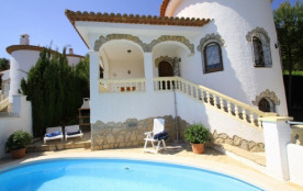 B16 ANDORRA villa piscina privada cerca del mar