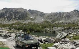 balade en 4x4 sur zone archéologique avec chauffeur guide montagne agréé