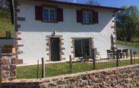 Belle maison 4 * située aux pieds des crêtes d'Iparla quartier Urdos à St Etienne de Baigorry - Saint Etienne de Baïg...