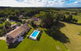 Magnifique ferme du XVIe siècle - piscine privée - vue imprenable