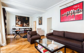 Parisian apartment in Saint-Germain-des-Pres