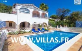 Villa CV Para - Cette jolie villa indépendante est située dans une rue sans issue d'une urbanisat...