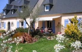 Spacieuse maison, idéalement située, très calme, bord mer, 12km COTE GRANIT ROSE