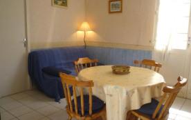 Appartement 2 pièces de 27 m² environ pour 4 personnes situé à 1700 m des plages et à 200 m des c...