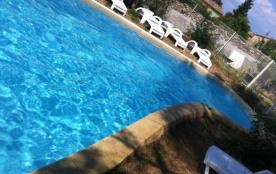le gîte de christo&midine et sa piscine