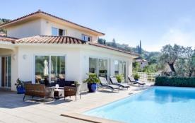 Villa moderne dans domaine privé avec marina