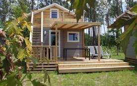 Location de chalets NEUFS avec double terrasse et TV sur un camping 5 étoiles PROMO