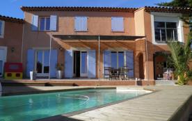 LA CIOTAT, villa de 200 m² avec piscine, 5 chambres + 1 bureau salle à manger cuisine de 30 m² + salon TV