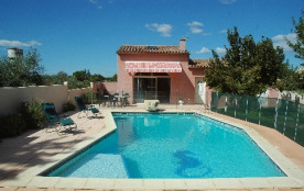 MINI VILLA classée 3*, au c?ur de la Petite Camargue, avec piscine et spa privatifs : calme et dé...
