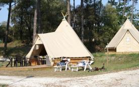 Location de tipis meublés tout confort pour 4 à 6 personnes/ Camping avec lagon