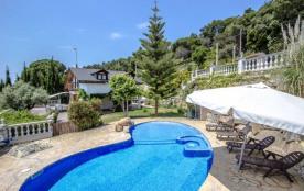 Villa Cebria el Maresme pour 9 personnes à seulement 6 minutes de la plage!