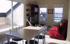 Appartement de type 2 pièces + cabine au quatrième étage avec ascenseur et Terrasse de 10 m² expo...