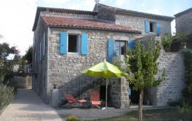 Gîte La Romancière - Nous sommes situés au cœur du très joli village de St Alban Auriolles, villa...