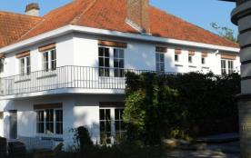 Appartement de charme, récemment rénové, proche de la mer