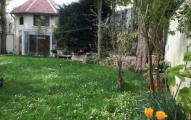 petite maison dans le jardin