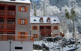 A 400 m des commerces et du téléphérique, la résidence, se compose d'appartements répartis sur 9 ...