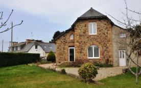 N°66 - Jolie maison en granit à 400m de la plage