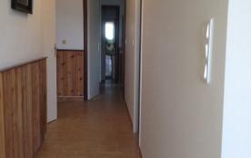 Couloir accès chambres 6 et 7