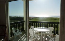 Appartement 3 pièces + mezzanine de 52 m² environ pour 6 personnes située à 300 m de la mer et 80...
