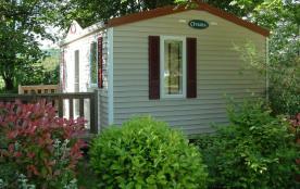 Notre camping *** avec sa piscine chauffée, est composé de 57 emplacements spacieux et ombragés d...