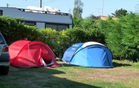 Camping Le Bernier, 12 emplacements, 11 locatifs