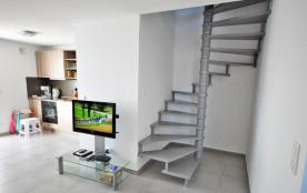 Pièce à Vivre RdCh escalier vers Etages