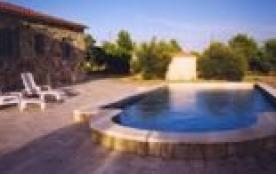 Villa indépendante de plain pied, très confortable, bénéficiant d'une terrasse découverte et d'un...