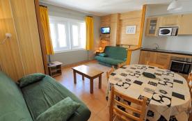 Appartement F3 - 60 m² - 8 personnes - catégorie 6 - vue montagne/rue.