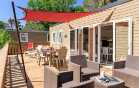 Premium : Holiday Green vous accueille dans un cadre unique et paradisiaque, à 7 kilomètres de Fréjus et des plages d...