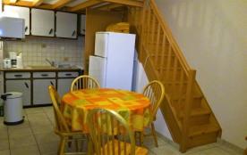 Appartement 4 personnes, vue sur mer, à 50 m de la  plage, avec un garage.