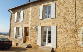 Gîte La Rosière à Touligny - à 18 Km de Charleville-Mézières. Maison semi-mitoyenne en pierre.