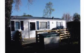 le mobile-home et sa terrasse