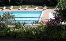 Situé au coeur de la Provence, près de Martigues et de la Côte Bleue, l'Hôtel-Résidence Les Aiguades vous propose des...