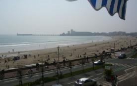 Face à la grande plage des SABLES d'OLONNE, bel appartement TYPE 3 avec parking privatif :