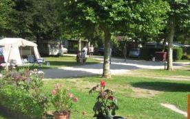 Camping L'Arc-en-Ciel *, 52 emplacements, 8 locatifs