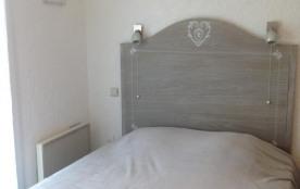 chambre avec lit 140 et 2 lits superposés