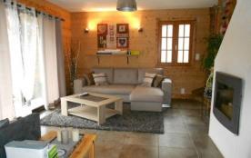 Maison individuelle avec jardin très agréable avec une jolie vue sur la montagne située dans le v...