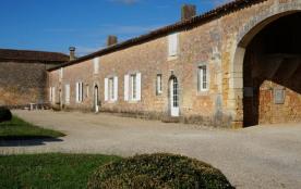 Gîte de charme 3* à Château-Chesnel,chèque-vacances acceptés